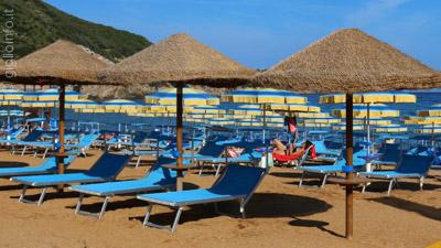 Spiaggia attrezzata Bagno il Delfino Spiaggia di Campese