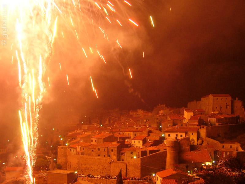 Fuochi d'Artificio Giglio Castello