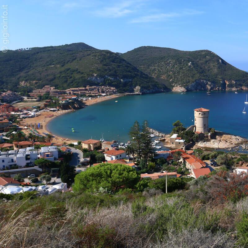 Isola del Giglio Campese Spiaggia con Torre