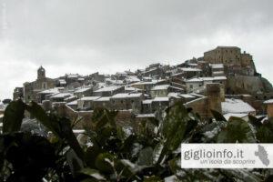 Veduta Giglio Castello sotto Neve