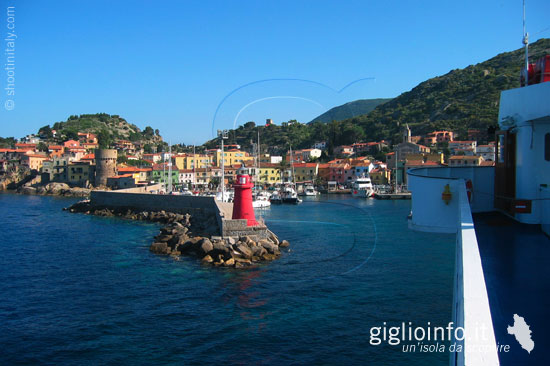 Giglio Porto - Bilde av Isola Del Giglio i Province of Grosseto ...